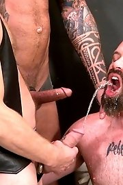 Tattooed big hunks wrapped up in double penetrating