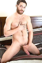 Passionate kissing leads to intense sexy erection - Tommy Defendi